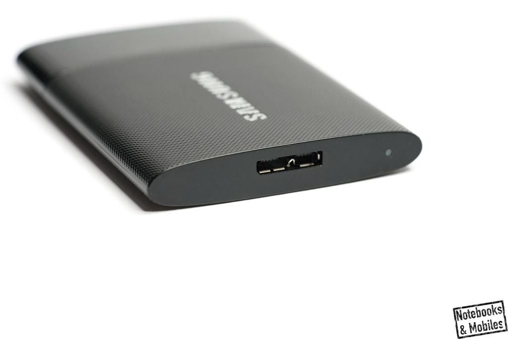 Samsung SSD T1: USB 3.0 ist die einzige Schnittstelle die man am Gehäuse findet.