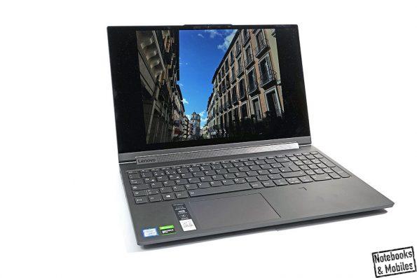 Mittelklassegrafik im schlanken Convertible-Laptop.